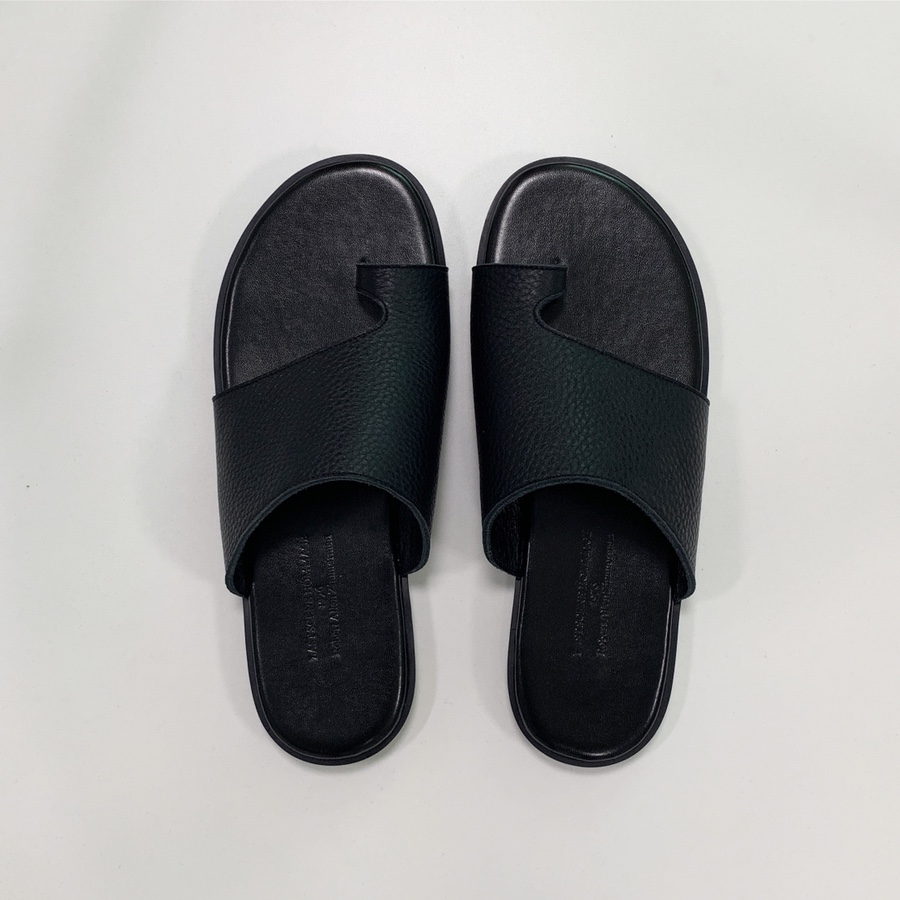 Thela leather slipper