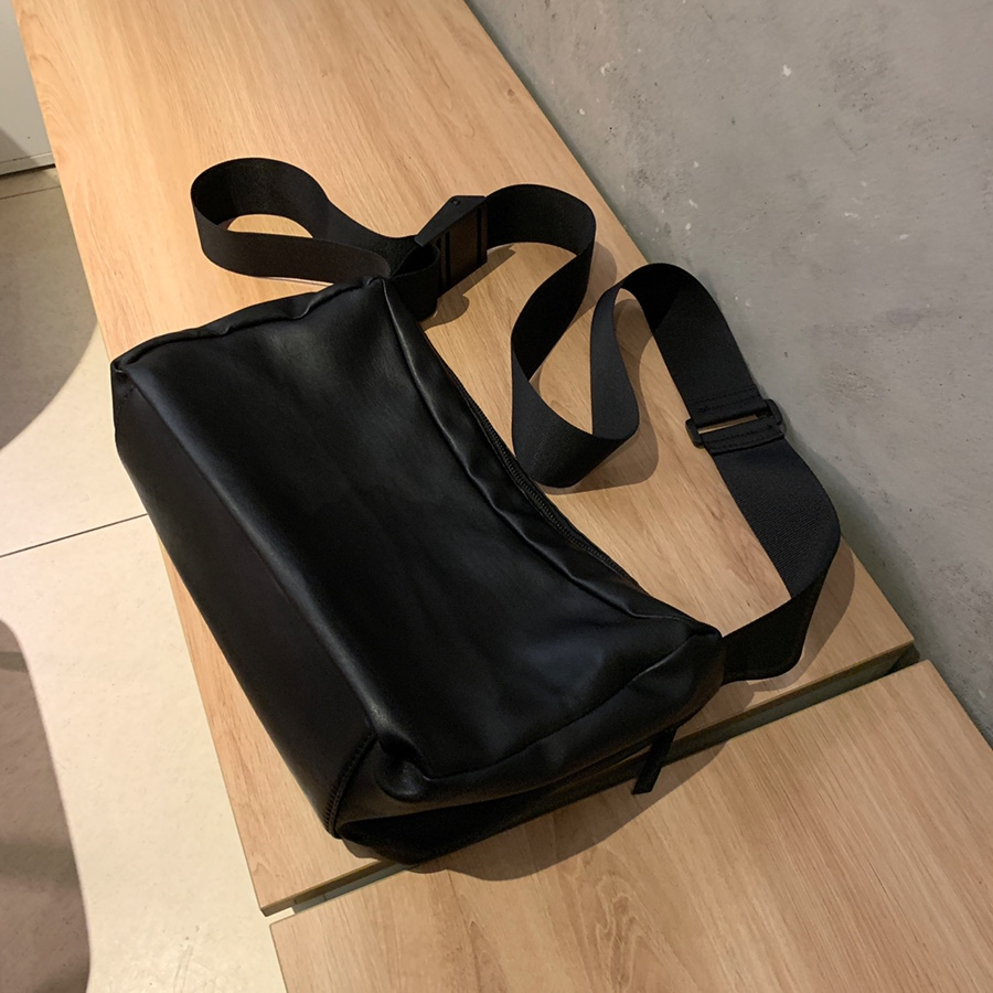 Os leather messenger bag